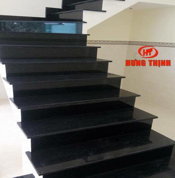 Đá ốp cầu thang 1
