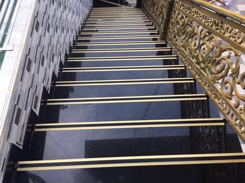 Đá ốp cầu thang 24