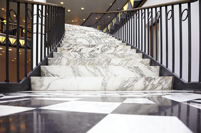 Mẫu đá ốp cầu thang 05