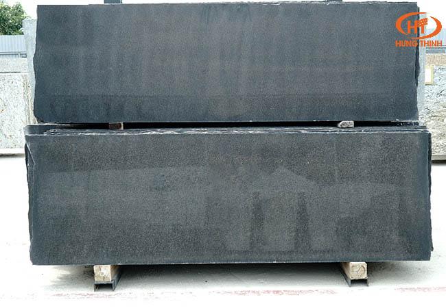 Đá đen ánh kim 2