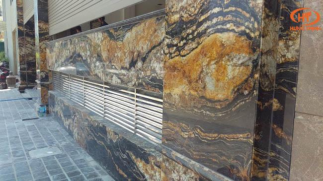 đá black taurus ốp mặt tiền 2