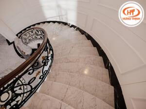 Đá ốp cầu thang 5